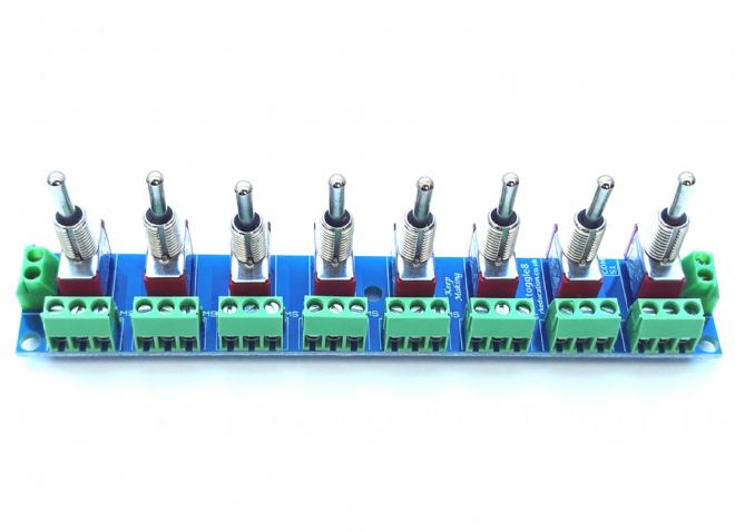 RKtoggle8 Toggle Switch Module for Model Railway  - Constructed